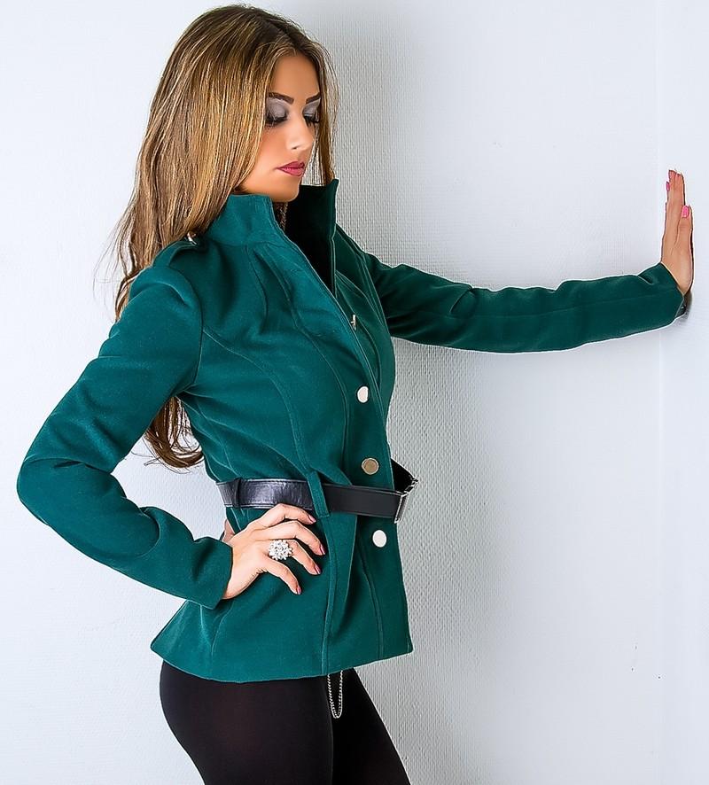 Popis. Elegantní dámský kabát přiléhavého a krátkého ... 42540916d8